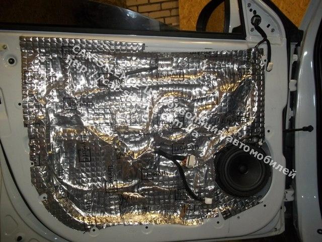 Шумоизоляция Kia Sportage- внешний каркас дверия обработан материалом Шумофф М2